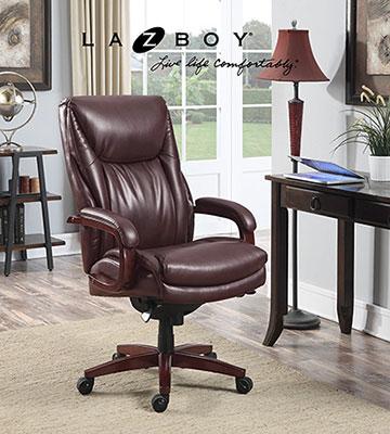 La-Z-Boy-Edmonton-leather-office-chair-at-the-office